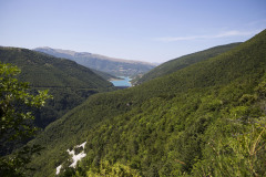 lago-di-Fiastra-lontananza