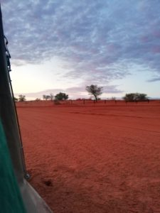 Alba tenda deserto del kalahari