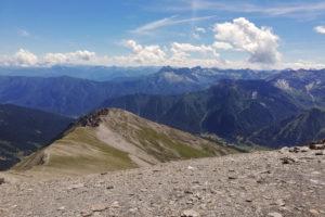 sentiero alpino in cresta
