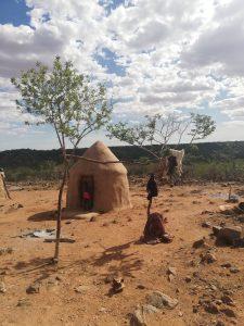 Capanna in villaggio himba, Namibia
