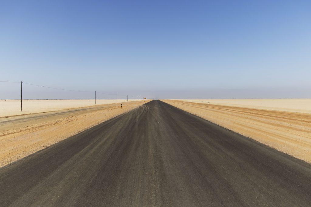 asfalto nel deserto
