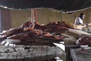 macellaio al mercato