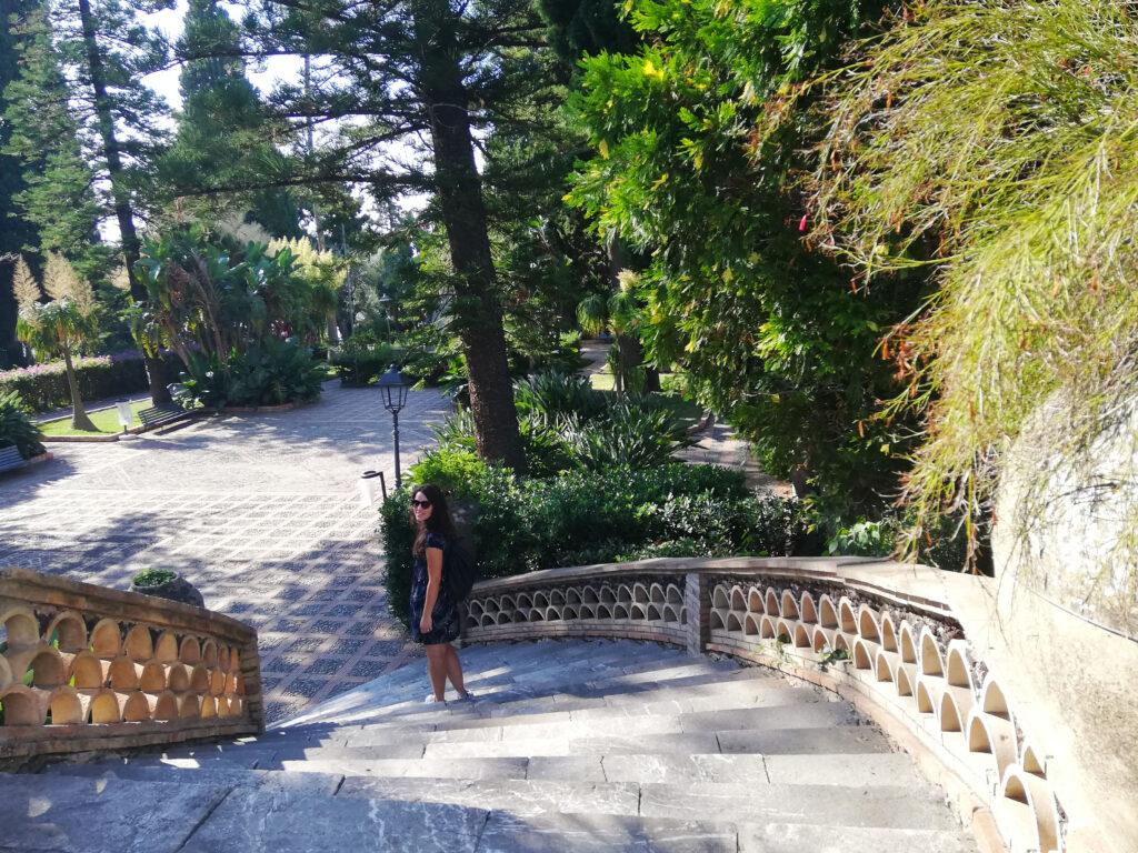 Scalinata villa comunale Taormina