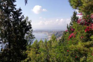 panorama dalla villa comunale di Taormina